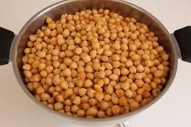 cuisiner des chataignes zuppa di castagne e ceci soupe de châtaignes et pois chiches une