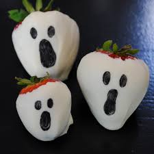 ghost and mummy chocolate covered strawberries