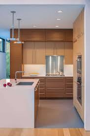 170 best cocinas con isla images on pinterest kitchen kitchen komai residence by robert m gurney architect 5 when strict regulations are a blessing in disguise komai residence lovely kitchen