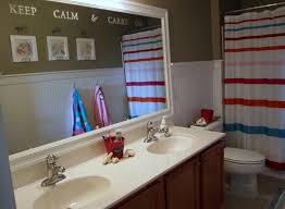 accessories and things for the bathroom on photo bathroom design