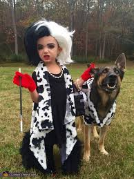 Dalmatian Costume Cruella De Vil And Her Terrified Dalmatian Costume Photo 2 2