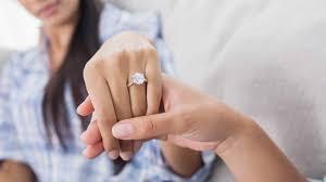 buying engagement ring 5 benefits of buying engagement ring luxury activist