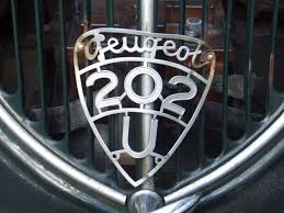 peugeot logo file peugeot 202 pickup 1938 1940 logo 2008 08 06 a jpg