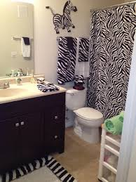 zebra bathroom decorating ideas 23 best images about decor on zebra print