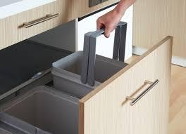 meuble poubelle cuisine meuble poubelle cuisine 2017 et cuisine adaptae pmr avec des photos