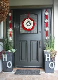 103 best simple christmas outdoor decor images on pinterest