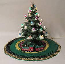 light up christmas skirt vtg atlantic mold 1973 ceramic light up christmas tree skirt cover12