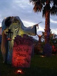Halloween Yard Decorations Best 25 Yard Haunt Ideas On Pinterest Haunted Trail Ideas Diy