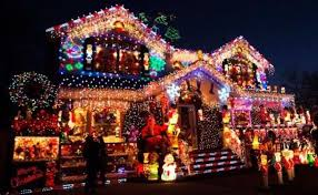 Christmas Decorated Houses Christmas House Decorations Home Design Ideas