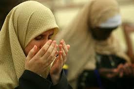 Wanita Datang Bulan Boleh Baca Quran Wanita Haid Masih Boleh Baca Al Qur An Dan Dzikir Voa Islam Com