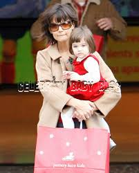 pottery barn kids black friday katie holmes and suri shop at the grove in la on friday u2013 moms