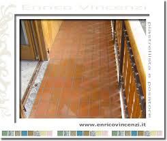piastrelle balcone esterno piastrellista e posatore pavimentazione per esterni posa