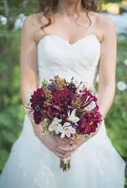Fall Flowers For Wedding Seasonal Bouquets For A Fall Wedding Brides