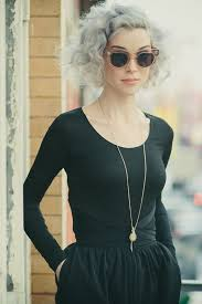 granny chic could you rock this new granny chic grey hair trend these 20