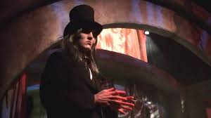 halloween horror nights 2002 the caretaker halloween horror nights 2015 youtube