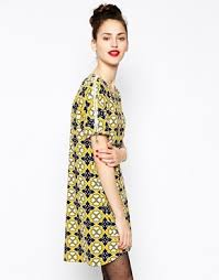 love moschino short sleeve shift dress in floral print yellow blue