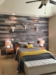 mur de chambre en bois grey reclaimed wood wall for a rustic bedroom bellos
