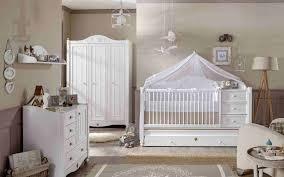 aménagement chambre bébé fille armoire mixte design idee coucher decoration decors