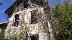 exploring a creepy old abandoned house in southern new jersey with