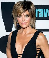 how does lisa rinna cut her hair lisa rinna denies getting more plastic surgery