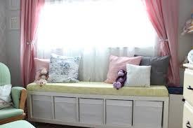 meubles de chambre ikea étagère kallax ikea 69 idées originales de l utiliser archzine fr