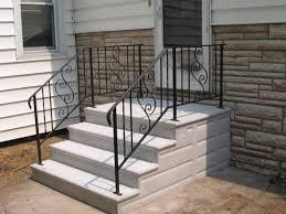 precast concrete steps serving the chicagoland area