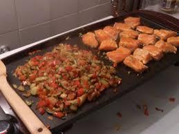 recette cuisine plancha recette saumon à la plancha et ses petits légumes plancha
