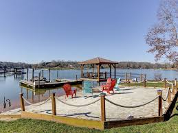5 massive homes on lake norman you can rent for under 30 per