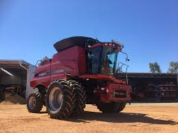 used case ih 7088 axial flow harvester with 2152 40 u0027 draper front