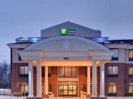twelve oaks mall thanksgiving hours holiday inn express u0026 suites detroit novi hotel by ihg
