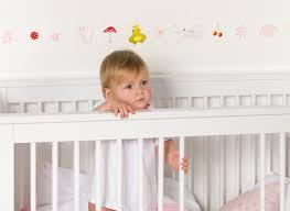 bordüre kinderzimmer selbstklebend bordüren selbstklebend bordüren accessoires babyzimmer