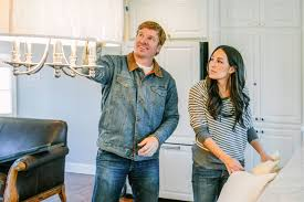 waco home show fixer upper ending 9 other home renovation shows to watch ew com
