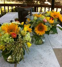 table centerpieces with sunflowers thoughts in bloom table decor thoughts in bloom