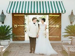 rent a wedding dress great places to rent wedding day looks