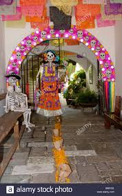 oaxaca mexico day of the dead skeleton mannequins welcome