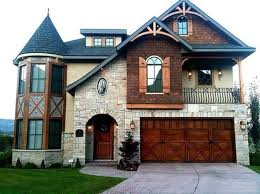 love this house except the castle looking thing on the side
