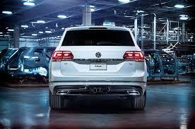 volkswagen tiguan white 2018 2018 volkswagen atlas gets r line exterior package motor trend