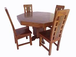 coin octagonal table with four chairs
