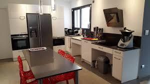 cuisine handicap cuisine allemande réalisée pour une personne handicapée à mions