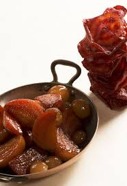 cuisiner betterave crue recette de la semaine poêlée de betteraves et raisins chefs