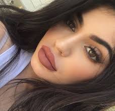 imagen de kylie jenner king kylie and kylie cosmetics