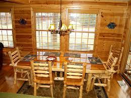 heavenly 7 retreat cozy rustic luxury cabi vrbo heavy cedar log dining table seats 8 comfortably