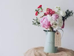 diy flower arrangements joanna gaines would love