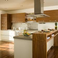 comptoir de cuisine sur mesure armoires de cuisine réalisées en noyer naturel modules du bas en