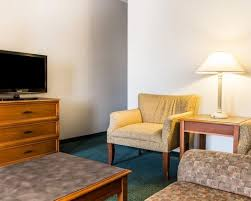 Comfort Suites Tulsa Suitesspecialtyrooms4 Jpg