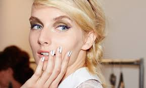 how to paint your own nails without making a complete mess glamour