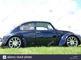 volkswagen classic beetle classic midnight blue vw beetle with alloy wheels stock photo