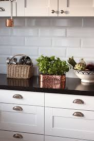 Kitchens With White Cabinets And Black Countertops by Best 25 Black Kitchen Countertops Ideas On Pinterest Dark