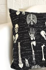 halloween pillows quilted skull pillow diy the sewing rabbit