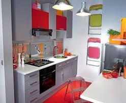 cuisine pour petit espace cuisine fermee en longueur mineral bio